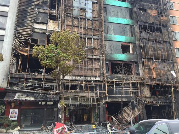 Vụ cháy xảy ra tại các số nhà 68, 70, 72, 74 trên đường Trần Thái Tông