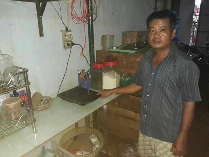 Nhiều thiết bị điện của người dân bị cháy. Ảnh B.N