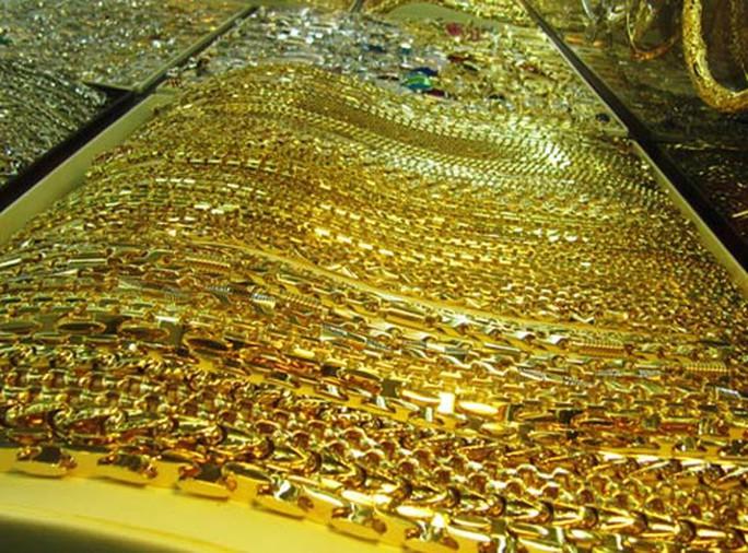 Giá vàng chiều nay 1-10: Tăng mạnh cuối ngày, vàng SJC vượt 56 triệu đồng/lượng - Ảnh 1.