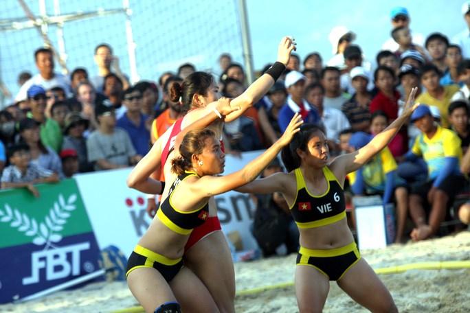 Đội nữ Việt Nam thấp hơn đối thủ Trung Quốc nhưng khéo léo, nhanh nhẹn hơn