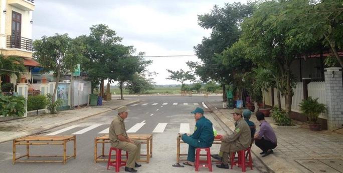 Đến sáng 16-11, nhiều lực lượng được cắt cử để bảo vệ hiện trường