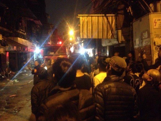 Cháy lớn ngay trung tâm phố cổ Hà Nội