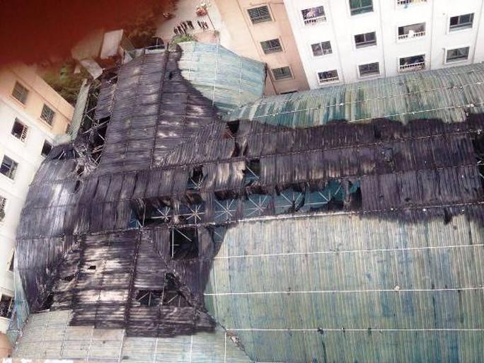 Mái nhà bị cháy