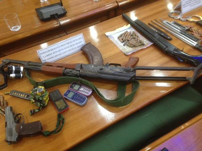 Số vũ khí thu giữ được tại nơi ẩn náu của đối tượng Gióng
