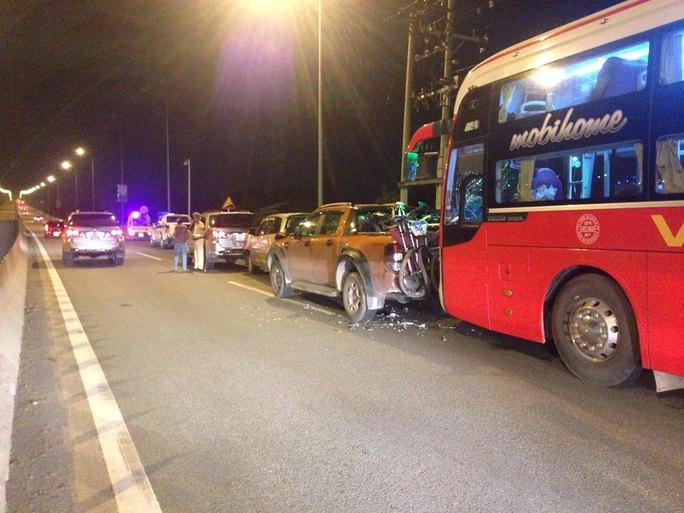 Tai nạn liên hoàn trên cao tốc khiến nhiều xe ùn ứ