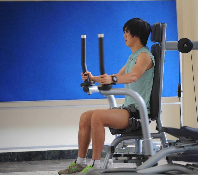 Tuấn Anh tích cực tập luyện duy trì thể lực Ảnh: Tùng Lê