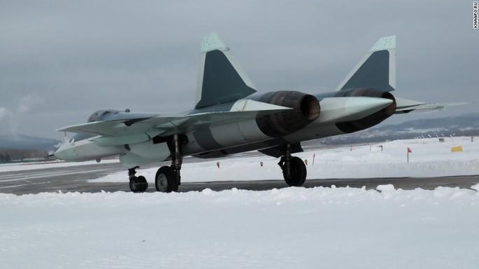 Những hình ảnh mới về chiến đấu cơ tàng hình T-50 của Nga. Ảnh: KNAAPO.ru