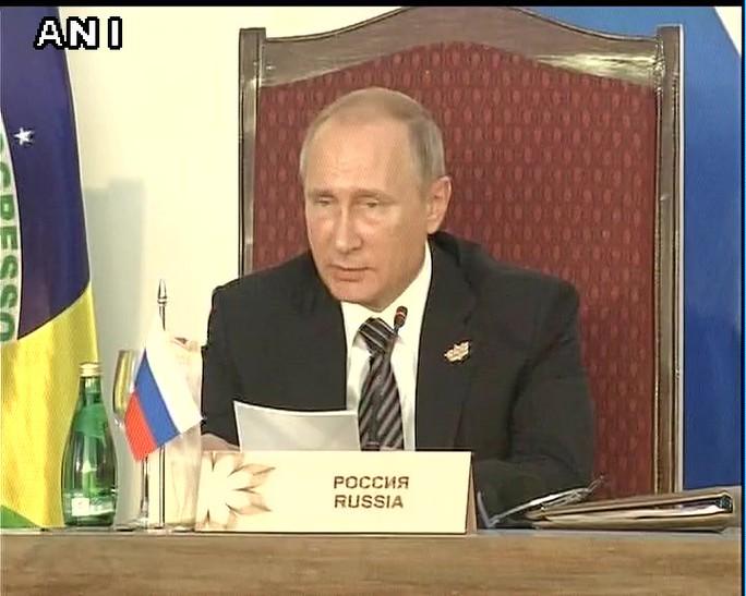 Ông Putin tham dự Hội nghị thượng đỉnh BRICS ở Ấn Độ hôm 16-10. Ảnh: ANI NEWS
