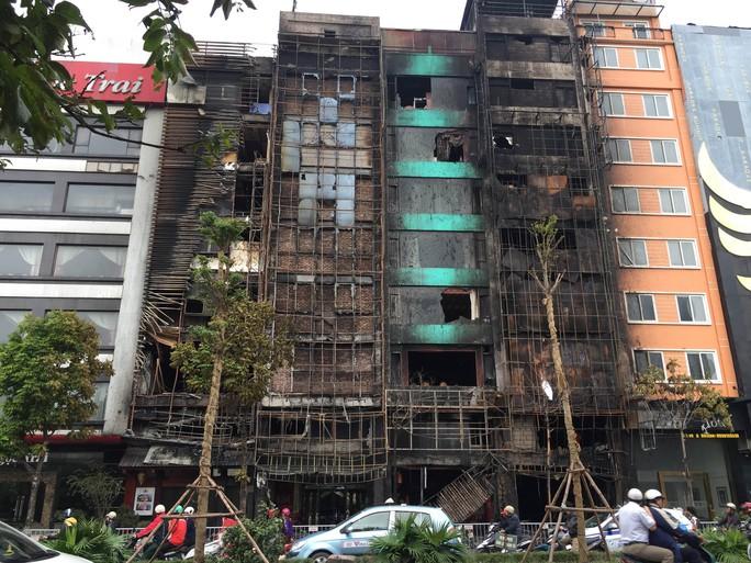 Hiện trường vụ cháy nghiêm trọng khiến 13 người tử vong