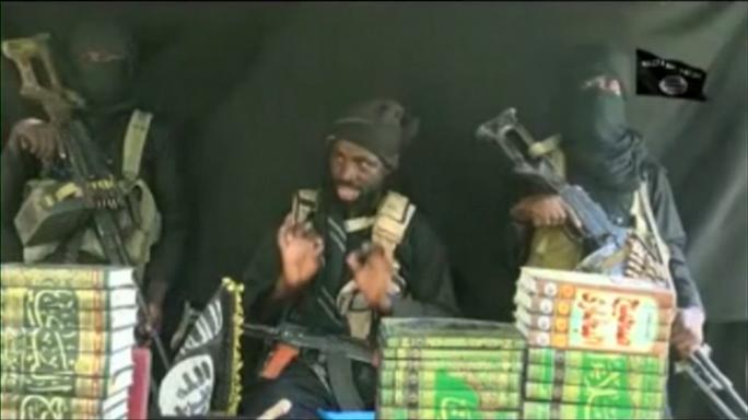 Abubakar Shekau trong đoạn video công bố hồi tháng 10. Ảnh: YOUTUBE