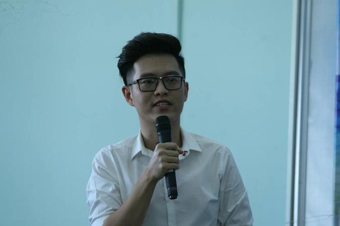 Cây bút trẻ Anh Khang nói rằng những gì xuất phát từ trái tim sẽ đến được với trái tim