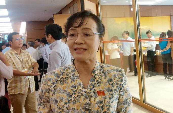 Chủ tịch HĐND TP HCM Nguyễn Thị Quyết Tâm cho biết do tình trạng thiếu xe công cục bộ nên TP thực hiện cơ chế mượn xe giữa các đơn vị