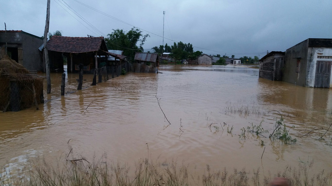 Chỉ tính riêng tại huyện xã Cư Mlang, huyện Ea Kar đã có hàng trăm ngôi nhà bị ngập sâu trong nước