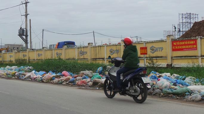 Môi trường ô nhiễm tiềm ẩn dịch bệnh trên địa bàn quận 9.