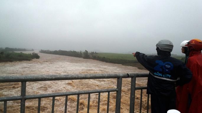 Thủy điện An Khê - Kanak tăng lưu lượng xả lũ về hạ du sông Ba