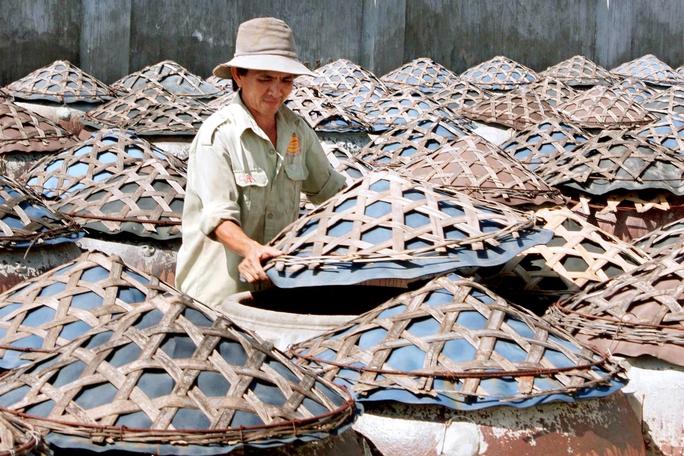 Một cơ sở sản xuất nước mắm truyền thống tại TP Phan Thiết (tỉnh Bình Thuận)Ảnh: Lê Huân