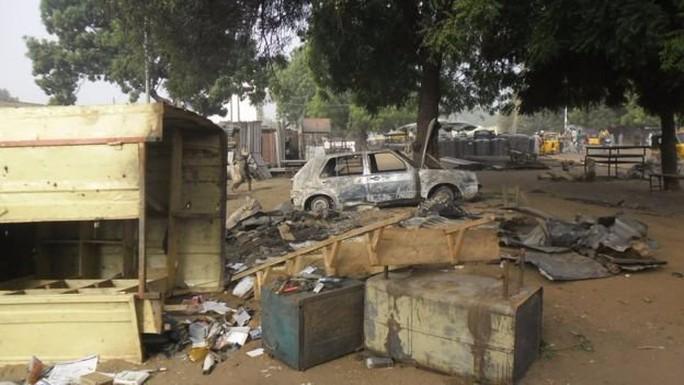 Vụ đánh bom kép của 2 nữ sinh tại một khu chợ ở Nigeria khiến 56 người thiệt mạng. Ảnh: Africa.tvcnews