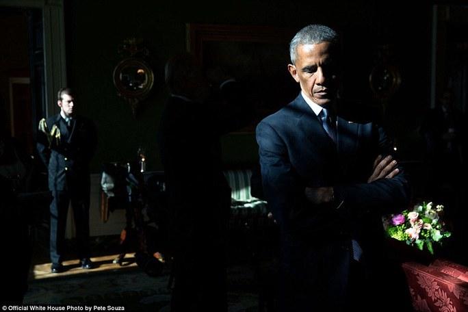 Ông Obama được giới thiệu bởi Mark Barden, người có con trai bị giết chết trong vụ xả súng ở trường tiểu học Sandy Hook năm 2012. Sau này ông Obama đã gọi đây là ngày tồi tệ nhất trong suốt nhiệm kỳ Tổng thống của ông.