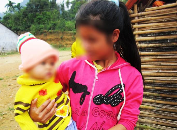 Em Nguyễn Thị Kim Oanh, ngụ huyện Sơn Tây, có con khi mới 14 tuổi