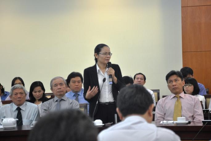 TS Đỗ Thị Hồng Tươi đóng góp ý kiến tại buổi gặp gỡ