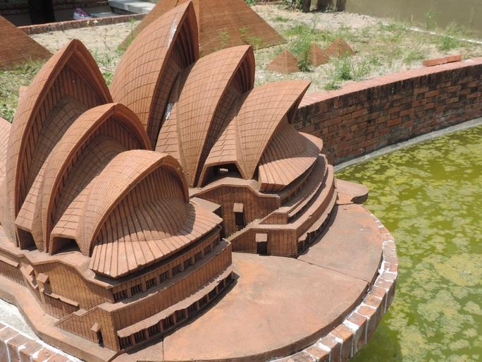 Mô hình công trình Nhà hát con sò (Úc)