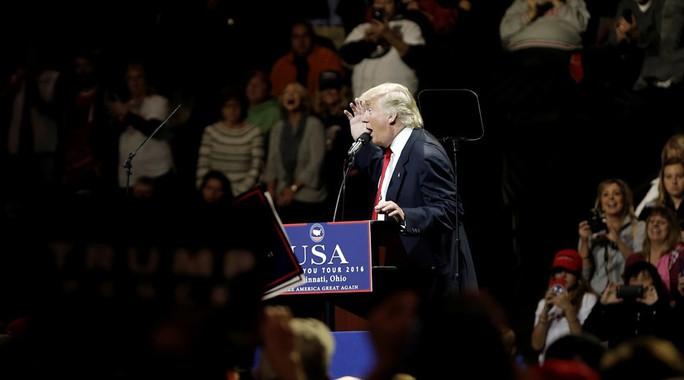 Ông Trump phát biểu tại TP Cincinnati, bang Ohio hôm 1-12. Ảnh: Reuters