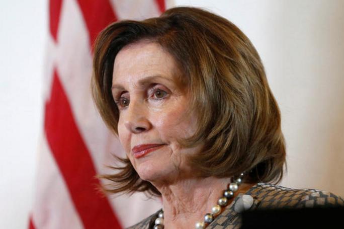 ...nhưng sau này bà lại làm hạ nghị sĩ Dân chủ của bang California và hiện giữ vai trò lãnh đạo thiểu số tại Hạ viện. Ảnh: CBS NEWS