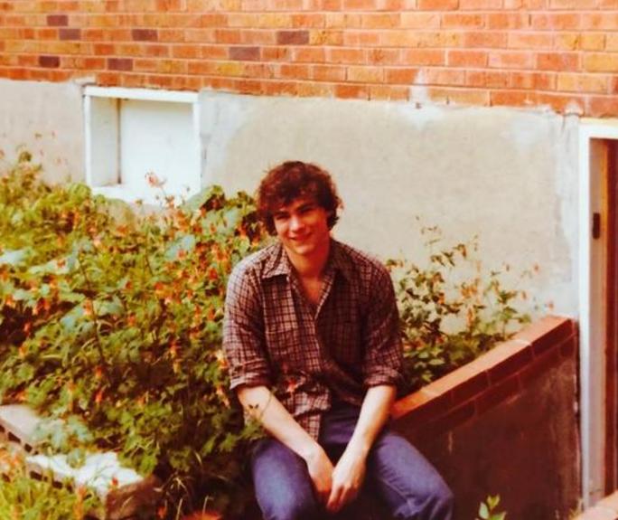 Bức ảnh được chụp cách đây 35 năm, ngày chính trị gia này tốt nghiệp Đại học Missouri...