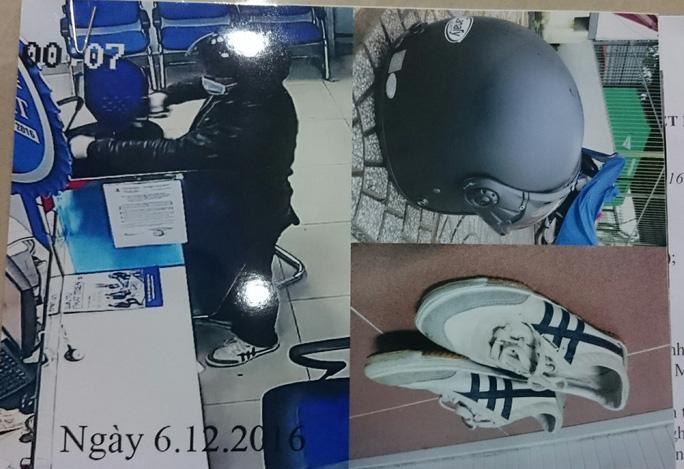 Hình ảnh chiếc mũ bảo hiểm, đôi giày ba ta mà nghi phạm sử dụng khi gây án (bên trái) và tang vật được thu giữ.