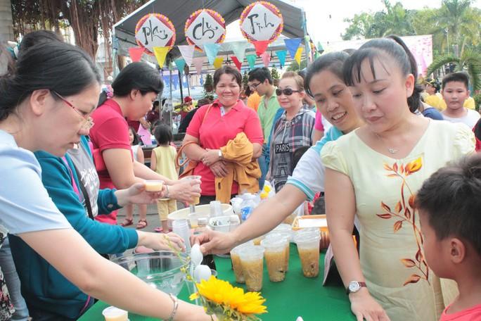 CNVC-LĐ quận Gò Vấp, TP HCM tham gia hội thi ẩm thực nhằm gây quỹ chăm lo cho công nhân có hoàn cảnh khó khăn
