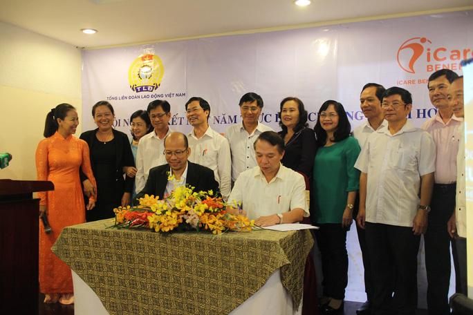 Tổng LĐLĐ Việt Nam và Công ty CP Hỗ trợ dịch vụ thanh toán Việt Phú ký kết chương trình phối hợp chăm lo cho công nhân
