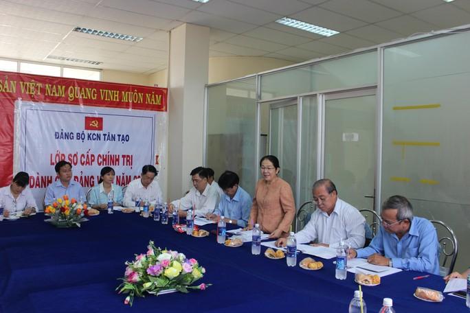 Phó Bí thư Thành ủy TP HCM Võ Thị Dung phát biểu tại cuộc họp
