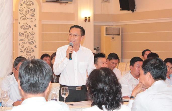 Ông Nguyễn Quốc Tiến, Giám đốc Công ty CP Cơ khí Xây dựng Tháp Kim, phát biểu tại hội nghị