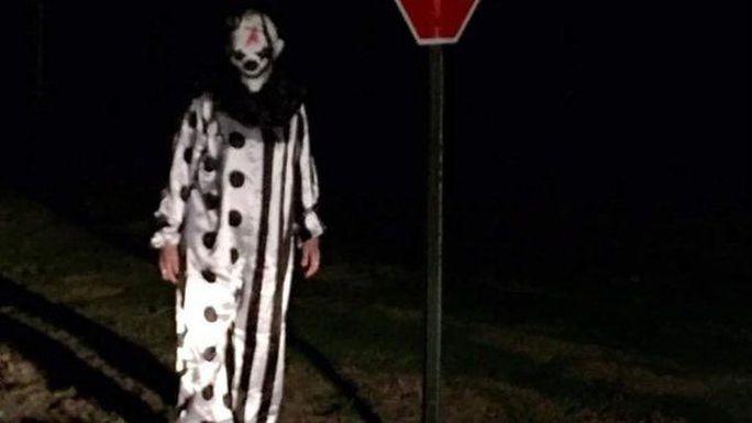 Một gã hề hóa trang ghê rợn tương tự xuất hiện tại TP Waco, Kentucky. Ảnh: Facebook.