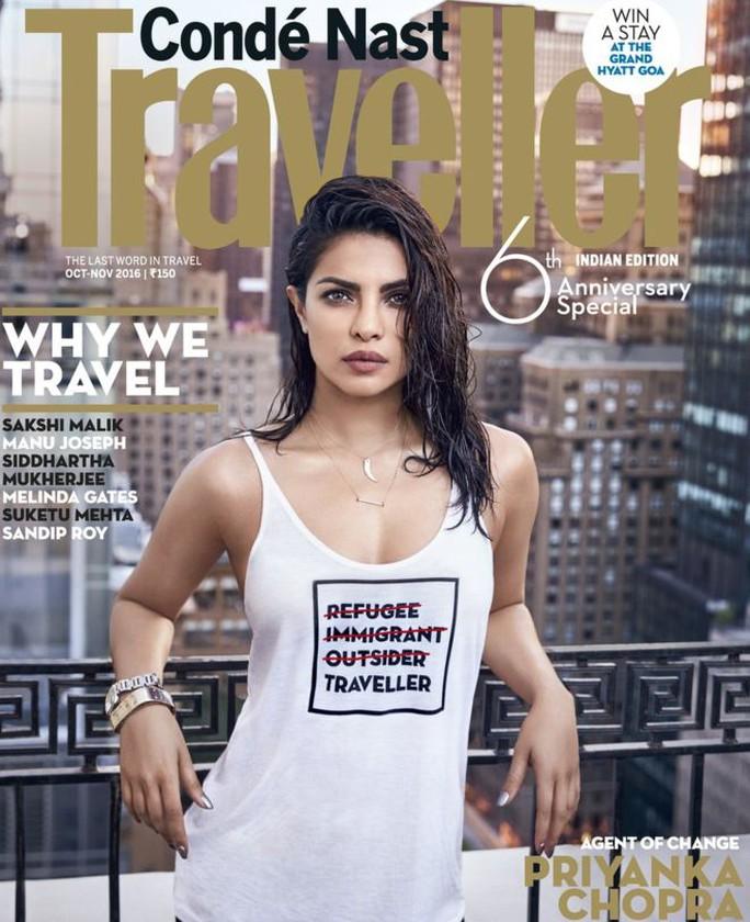 Priyanka Chopra và áo thun có dòng chữ gây rắc rối