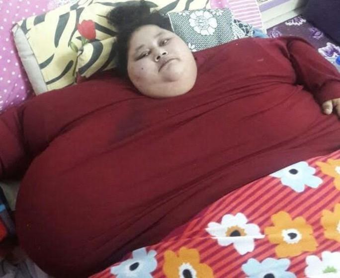 Chị Abd El Aty không thể rời khỏi nhà trong 25 năm qua với thân hình nặng 500 kg. Ảnh: TS MUFFAZAL LAKDAWALA
