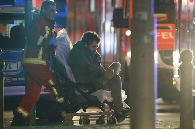 Hàng chục người bị thương trong vụ việc. Ảnh: Reuters