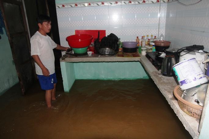 Căn nhà ông Phan Minh Hùng (xã Đại An) bị ngập nước