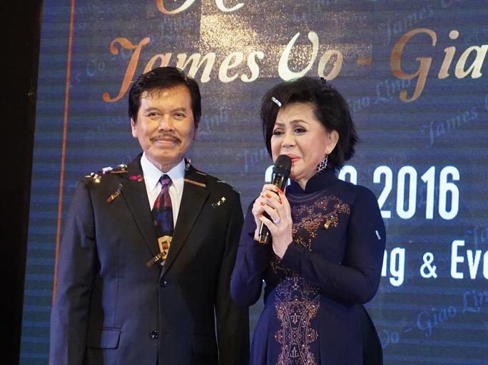 Ca sĩ Giao Linh và chồng trong ngày kỷ niệm 30 năm ký giấy hôn thú chung sống