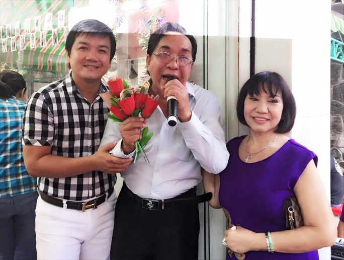Danh ca Thanh Tuấn, NSƯT Lê Tứ và NS Kều Tiên trong ngày giỗ của cố NSƯT Minh Phụng