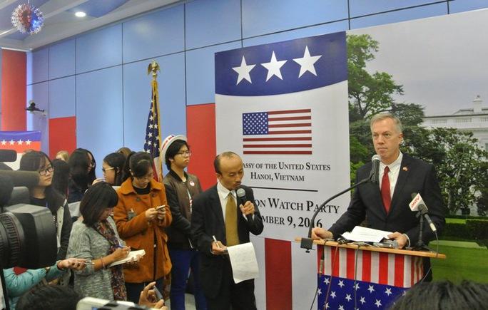 Đại sứ Mỹ tại Việt Nam Ted Osius khẳng định chính sách của Mỹ với Việt Nam sẽ không thay đổi dù ai đắc cử Tổng thống Mỹ