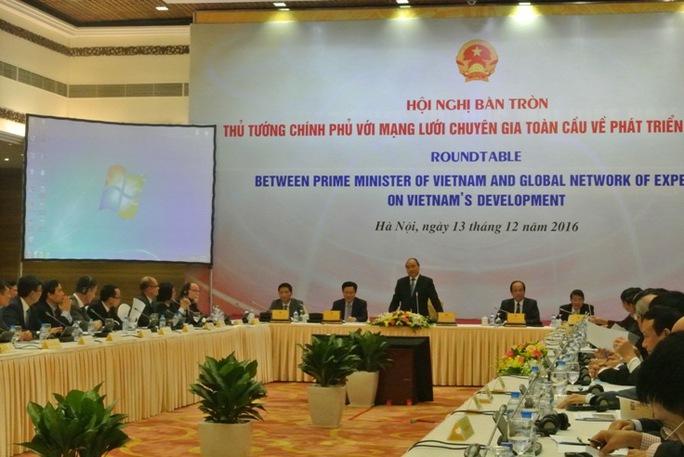 Thủ tướng khẳng định Chính phủ lắng nghe các giáo sư, tiến sĩ, chuyên gia với tinh thần trách nhiệm cao nhất để tìm phương cách tháo gỡ khó khăn cho nền kinh tế Việt Nam