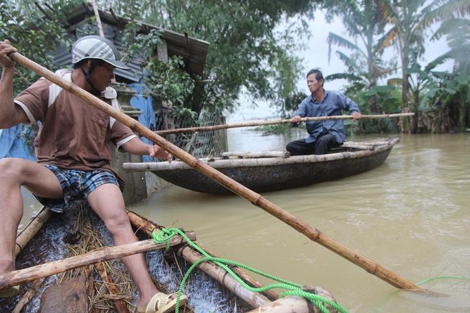 Chỉ trong 2 ngày 3 và 4-12, tại tỉnh Quảng Nam có 5 người chết và mất tích do mưa lũ