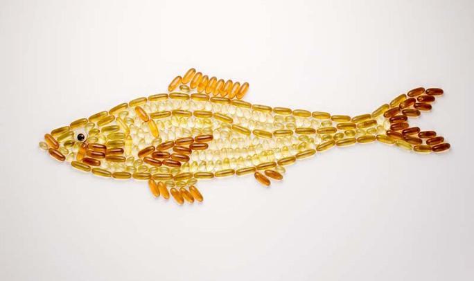 Mẹ dùng dầu cá khi mang thai, con ít bị bệnh đường thở. Ảnh NPR