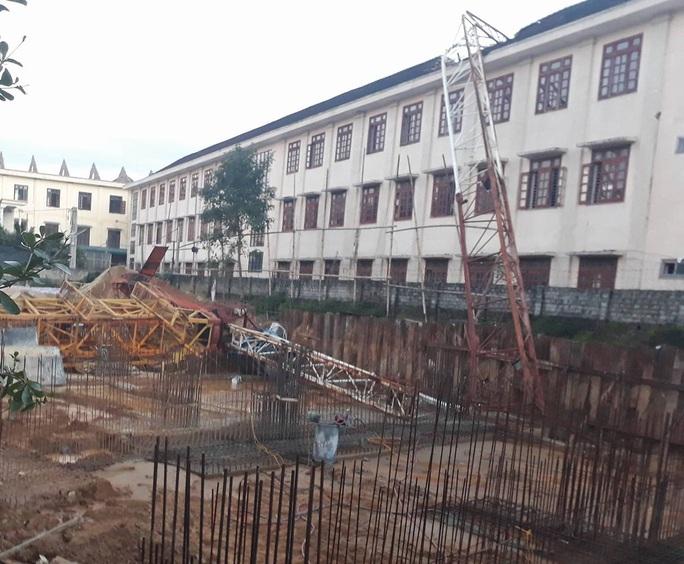 Hiện trường vụ sập cần cẩu khiến học sinh Trần Văn Hải tử vong