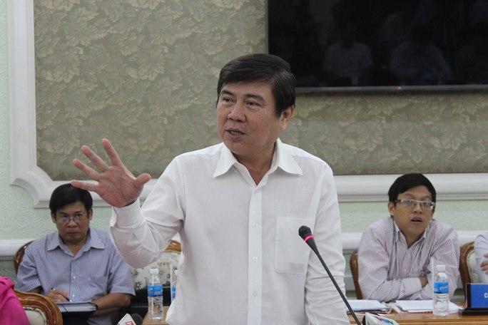 Chủ tịch UBND TP HCM Nguyễn Thành Phong phát biểu tại buổi họpẢnh: Bảo Ngọc