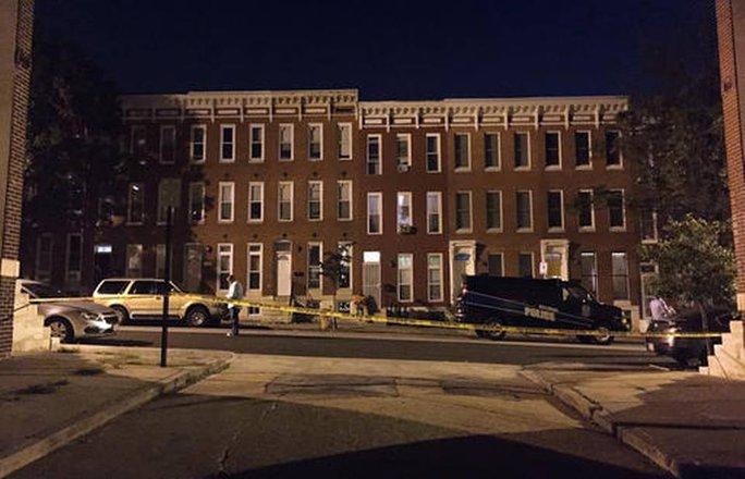 Phong tỏa hiện trường vụ xả súng bở Baltimore. Ảnh: AP