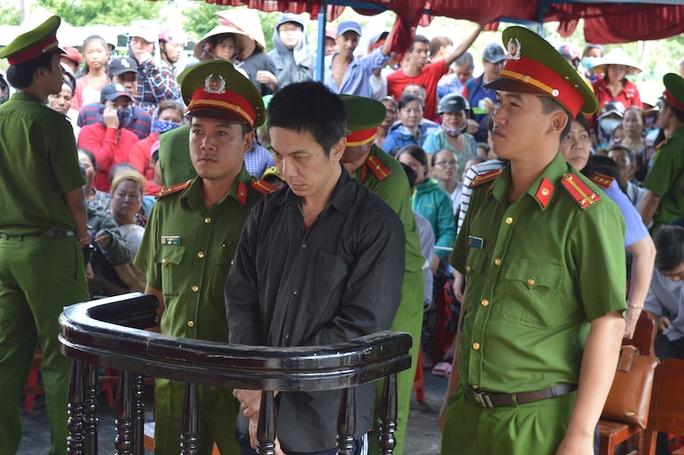 Bị cáo Nguyễn Văn Mười tại toà.
