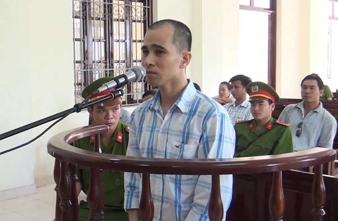 Bị cáo Nguyễn Văn Thanh tại phiên tòa lưu động ngày 28-11