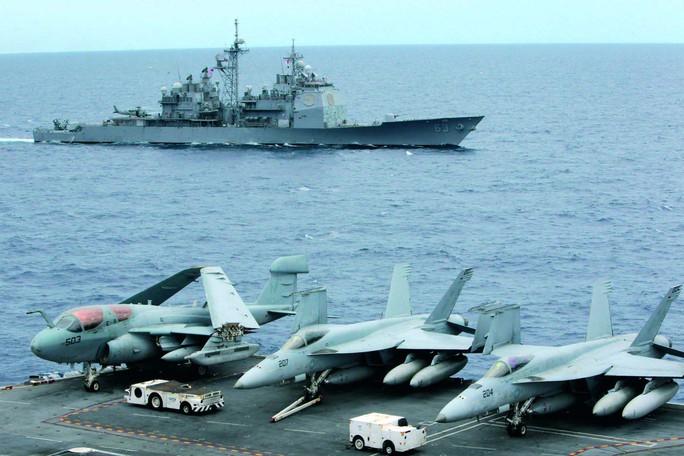 Các tàu và máy bay Mỹ thực hiện hơn 700 cuộc tuần tra ở biển Đông trong năm 2015 Ảnh: REUTERS